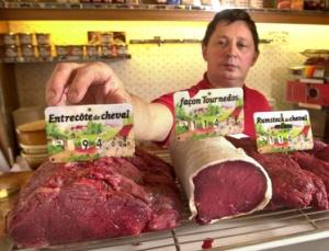 Horse meat back on the menu at 'Taxi Jaune' restaurant, Paris, France - 23 Jan 2007